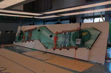 Transparante trap met glazen constructie - Buitenste trap ...