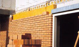 Het eerst vereiste is een goede isolatie van de woningschil.