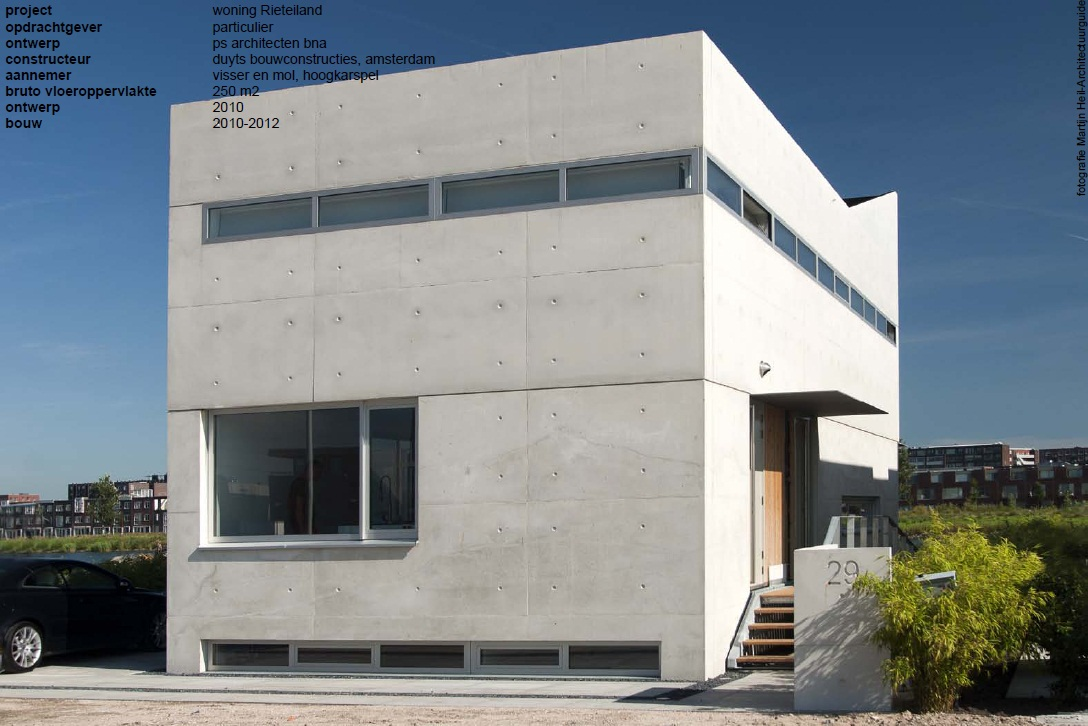 villa van gestort beton is af