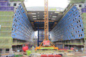 Zware staalconstructie voor storten bovenbouw
