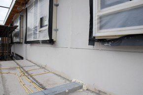 Bouwdetails van woningen in Rijssen, gebouwd door Haase Bouwbedrijf. Het bouwsysteem met cellenbeton en extra kierdichting maken dat de woningen voldoen aan de eisen voor passiefbouw.