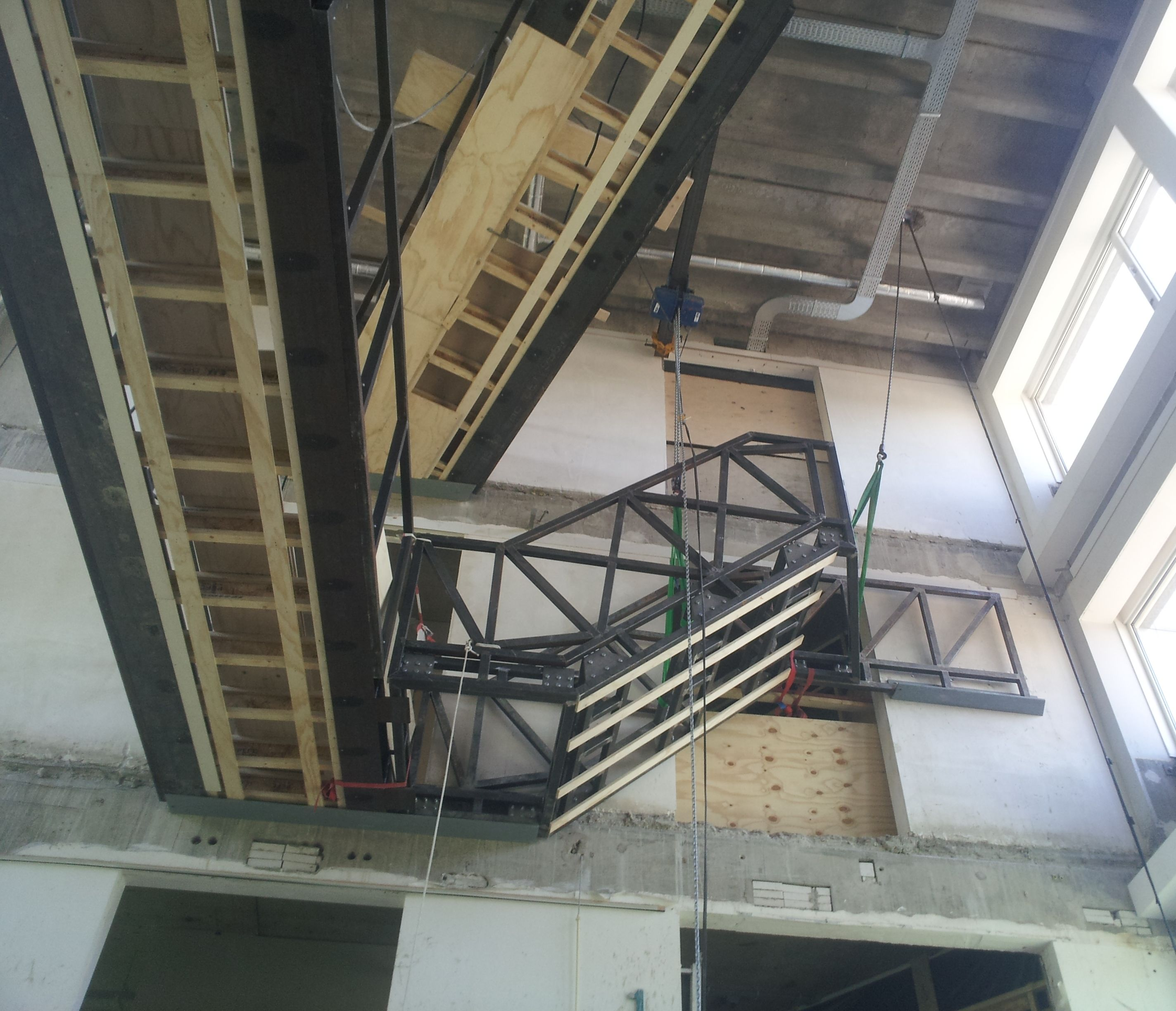 Spectaculaire trap in nieuwe hal » bouwwereld.nl