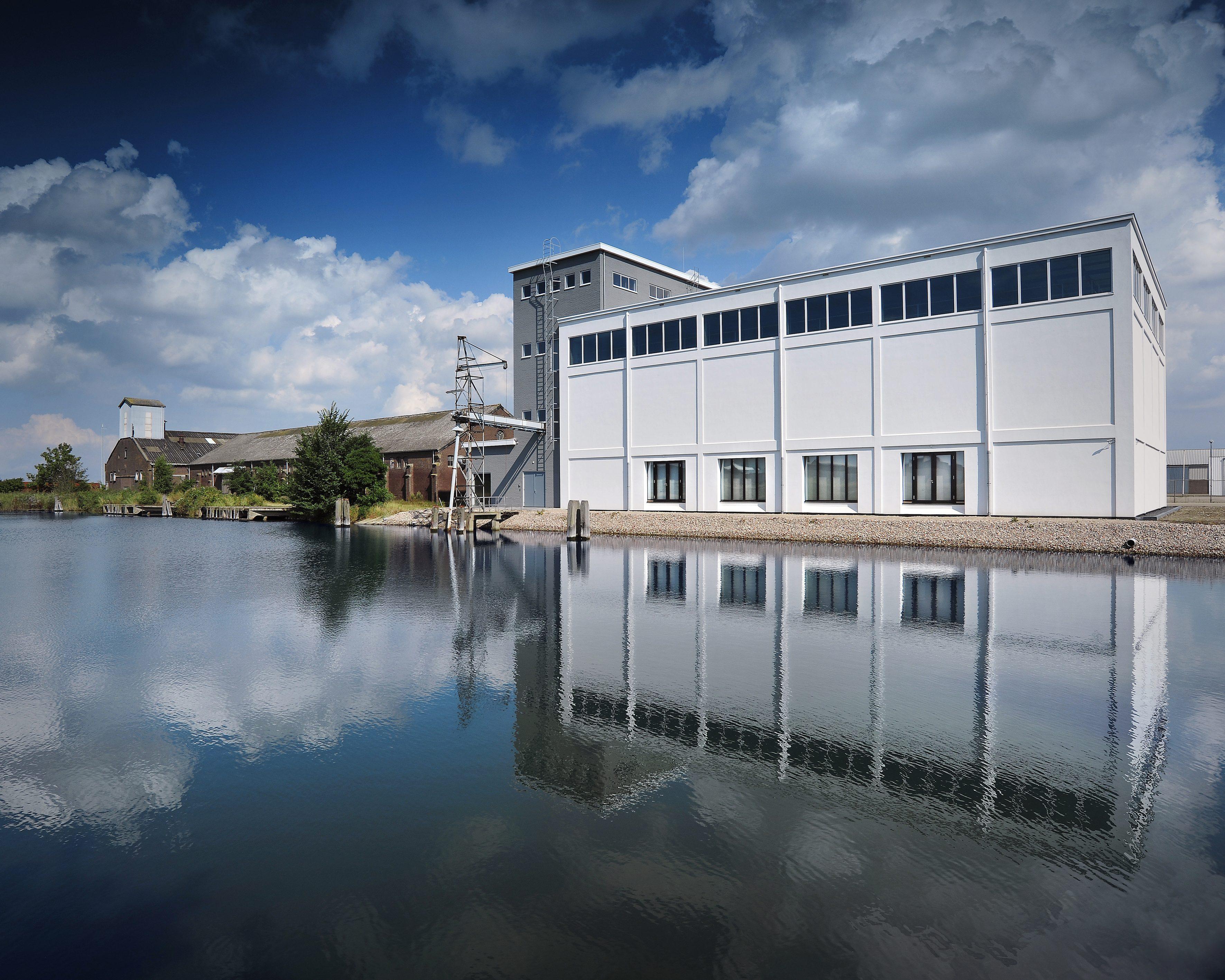 24 silo's vormen één open werkplek » bouwwereld.nl
