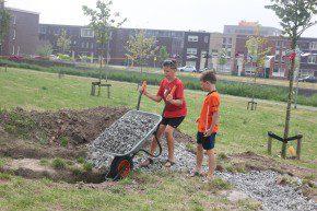 Aanleg van de natuurspeelplaats in Almere Poort.