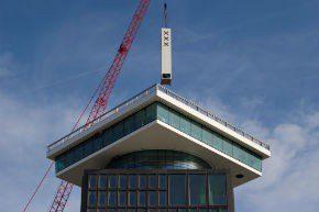 A'DAM Toren bereikt hoogste punt