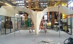 Studio RAP heeft eerst de middenkolom opgebouwd en van daaruit een aantal gewelflijnen naar de gevelconstructie.