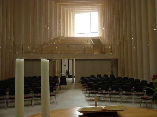 Efficiënt houtontwerp voor bouw kerk