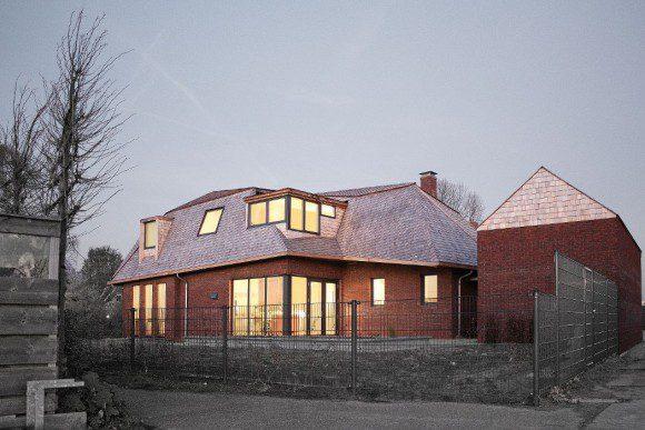 Landelijke villa met gehoekte kap for Architect landelijk