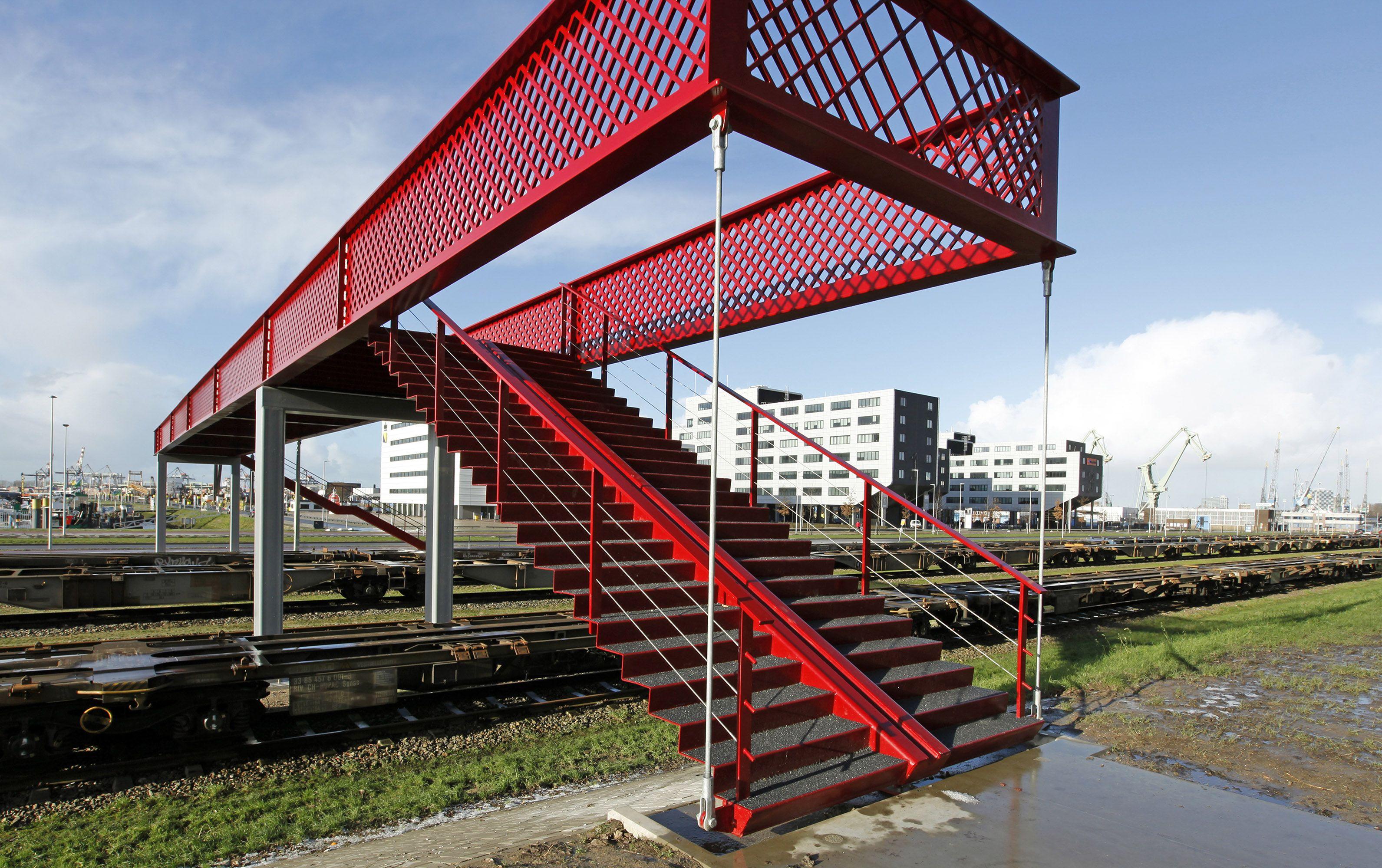 Voetgangersbrug in Rotterdam