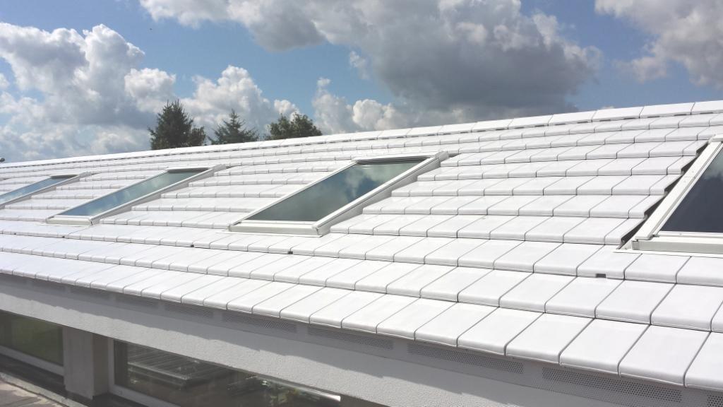 Witte keramische dakpan