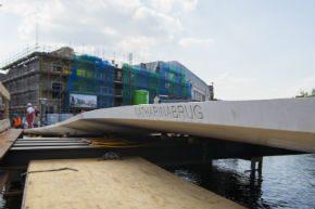 Langste UHSB-brug in Leiden bijna gereed