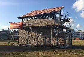 Ultralicht optoppen van woningen met zelfvoorzienend dak