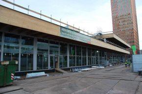 De dakrand wordt rondom bekleed met PV-panelen.
