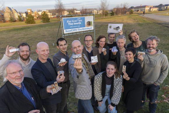 Op 15 februari presenteerde wethouder Tjeerd Herrema van Almere de deelnemers die de volgende stap gaan nemen in het realiseren van hun Tiny House op locatie.