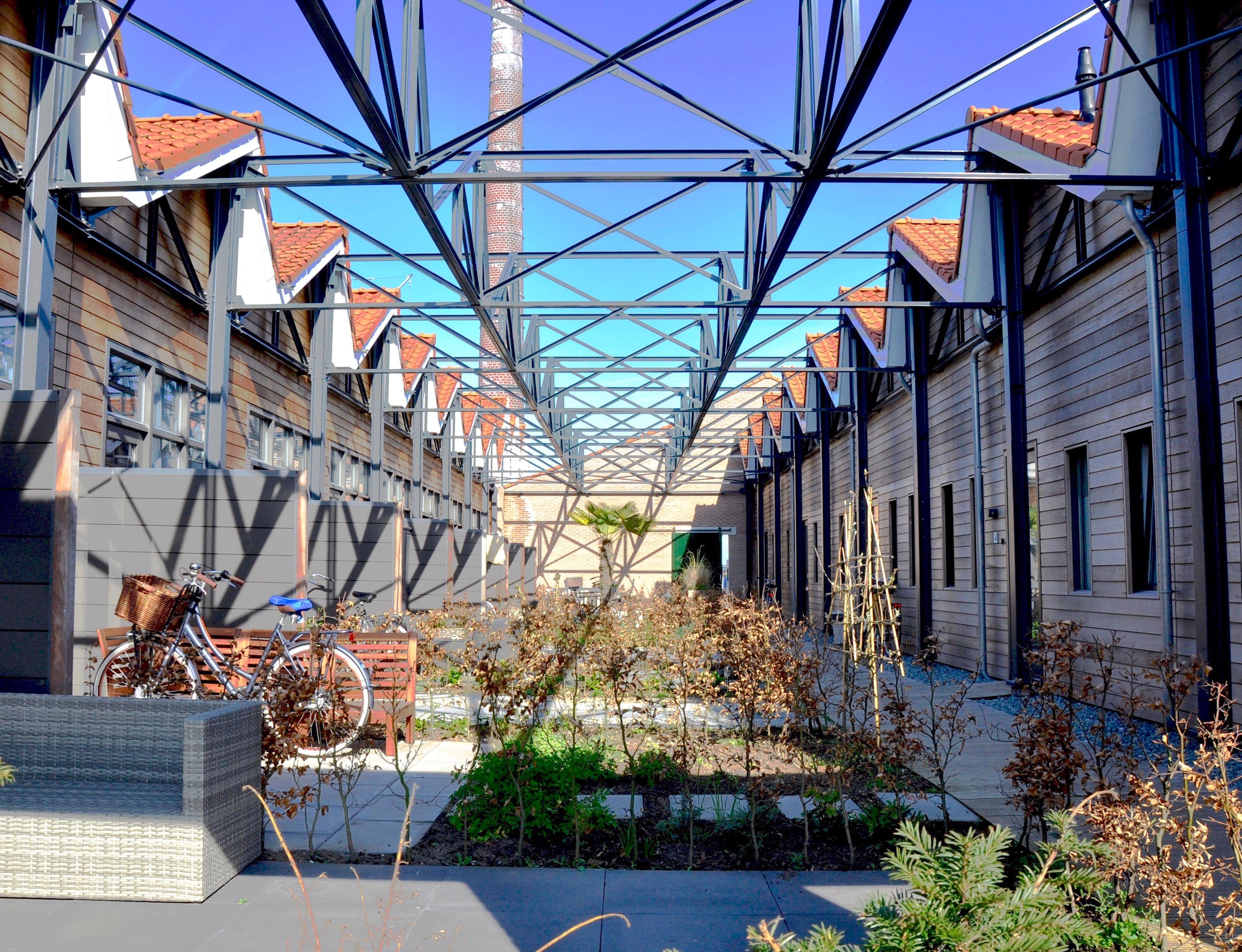 opengemaakte dak fabriekshal
