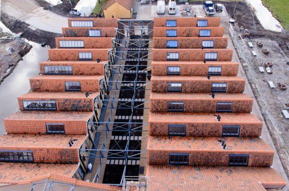 Nieuwe en deels opengewerkte dak