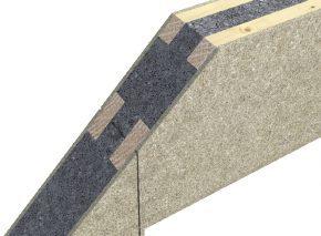 SIPS-paneel met aan de buitenzijde geïntegreerde houten verstijvers, die de doorlopende isolatielaag niet onderbreken