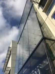 De eerste Lumiduct is geplaatst voor het trappenhuis van Mondial Movers.