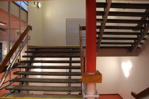 De lucht wordt afgezogen via de trappenhuizen