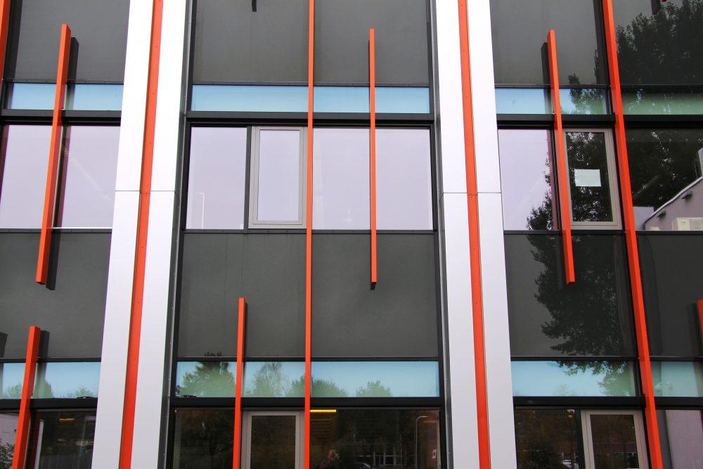 Tussenstijlen voorzien van afdekkap gebouw A Windesheim Zwolle