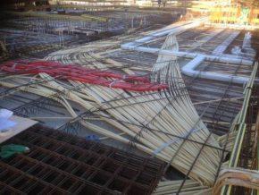 leidingen, installatieleidingen, Leidingspaghetti in breedplaatvloer