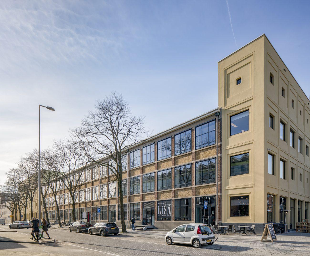 Transformatie kantoor naar zwembad bouwwereld