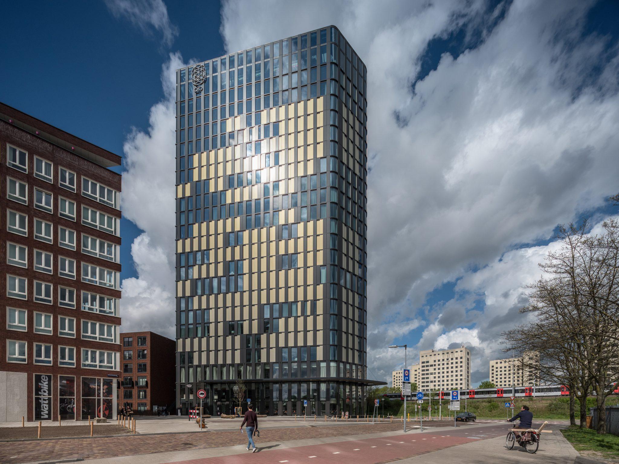 Kameleontische gevel QO hotel Amsterdam_Foto Ossip van Duivenbode