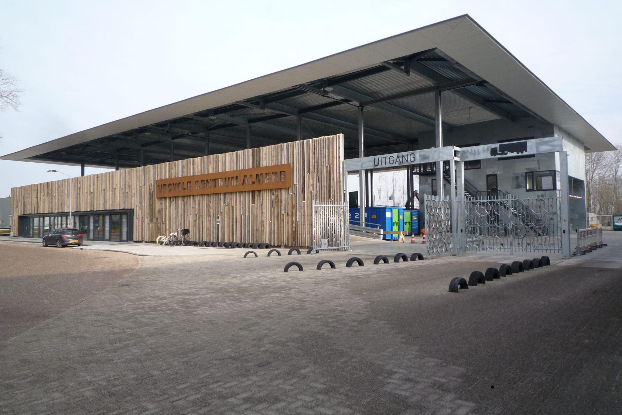 upcycle centrum almere, hergebruikte materialen, circulair bouwen, sloophout
