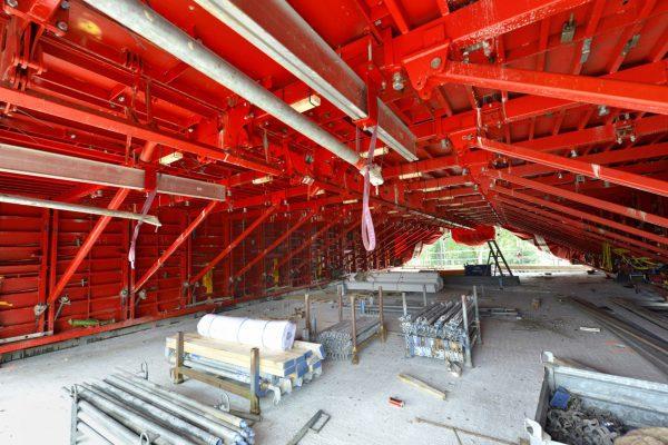 Hendriks stalen bekistingtechniek heeft in co-makership de voltunnel ontwikkeld; een tunnelkist die beukmaten tot 10 meter mogelijk maakt en wordt ingezet bij de bouw van de President in Den Haag.