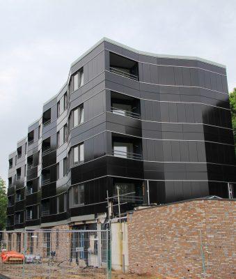 De Willem en De Zwijger in Best krijgen pv-panelen aan de gevel. De kopgevel (zuidoost) en de langsgevel op westzuidwest zijn volledig bekleed met PV