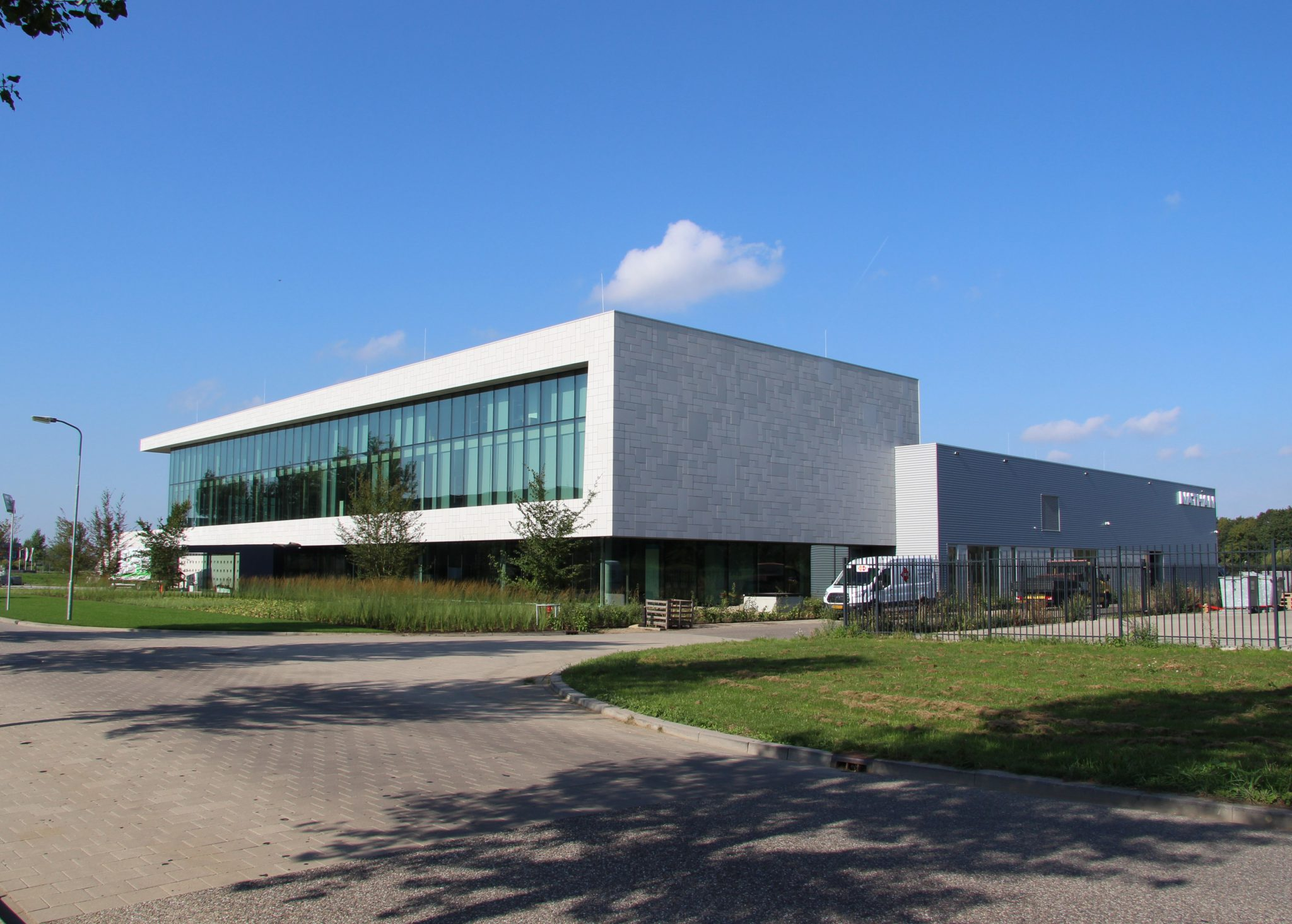 exterieur pand Installatie en bouwtechniek geïntegreerd in nieuw kantoor Nathan