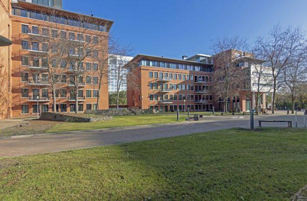 De kantoorblokken aan het Maanplein leenden zich goed voor transformatie naar woningen
