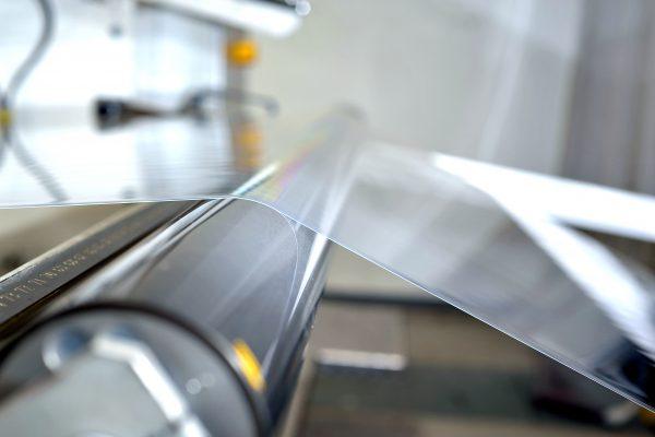 Meerlaagse Plexiglas-folies zorgen dat gevels, ramen en andere externe componenten er decennialang goed uitzien. Copyright: © Acrylic Products, Evonik Performance Materials GmbH