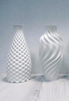 Enkele vazen die Witteveen+Bos heeft geprint en die zouden kunnen evolueren tot kolommen.