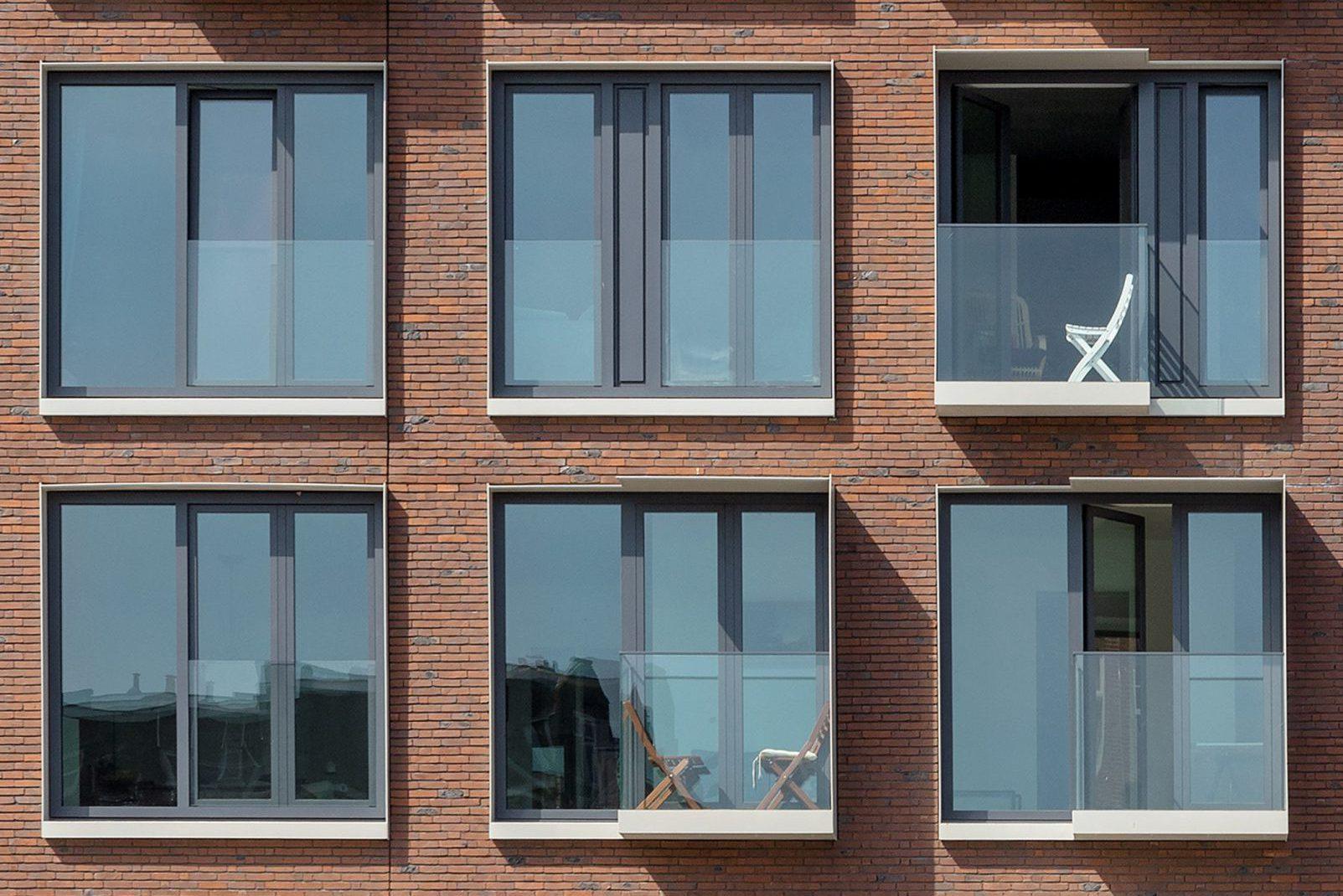 balkons, stalen kader, de hallen