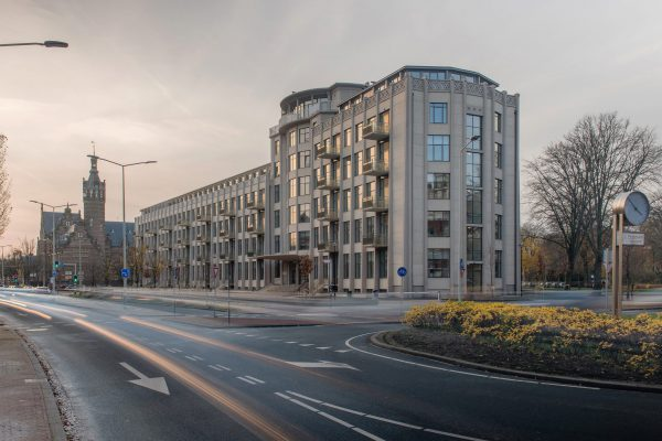 bouwkundige suskast, balkonsluis, Den haag, Groot Hertoginnelaan, balkon, geluid, transformatie