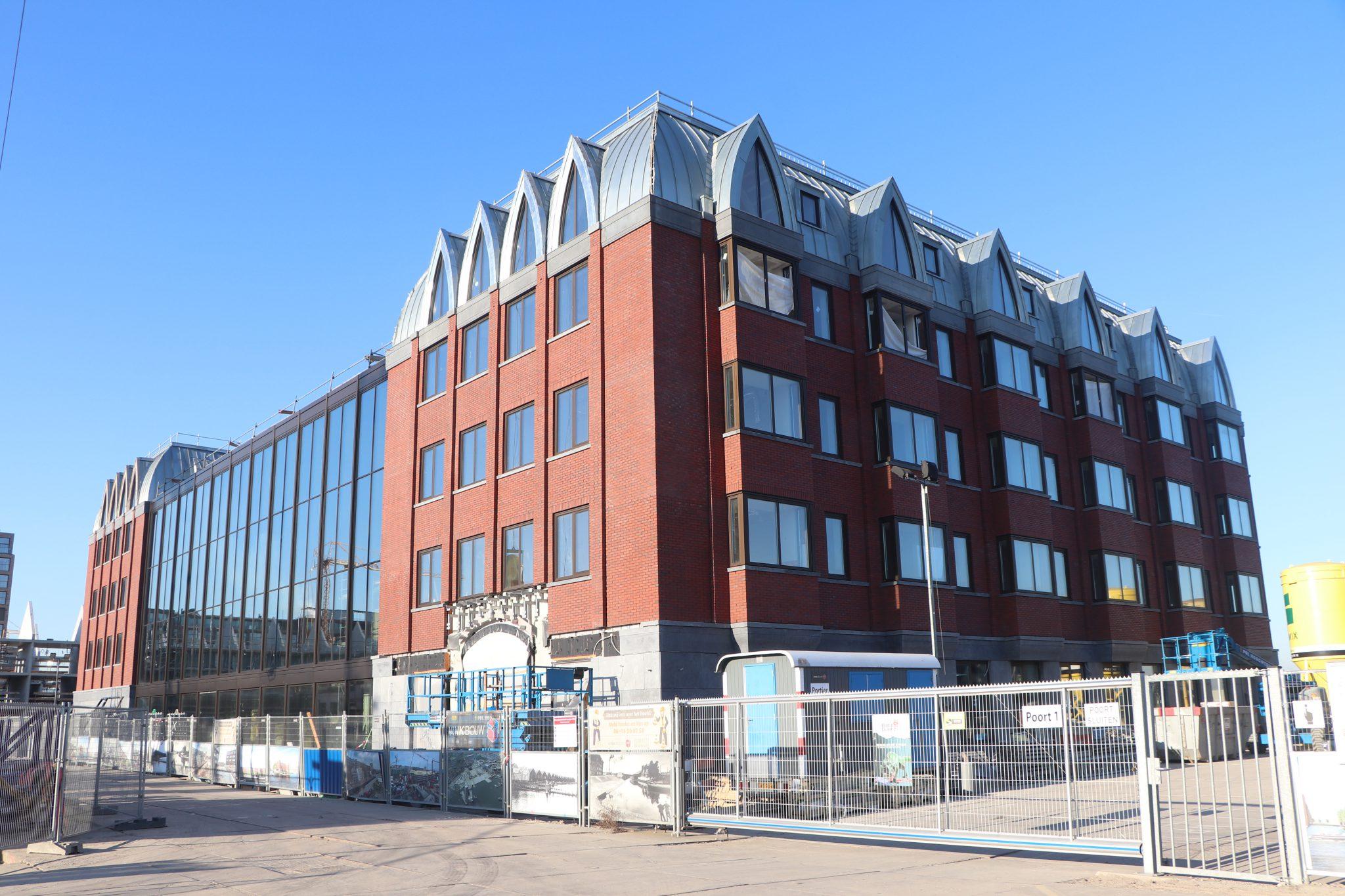 Hotel boot & Co, amsterdam, zinken dak, getoogde daken, atrium, zink