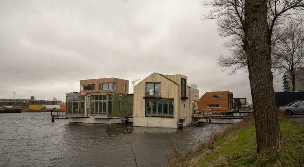 De woonark van Bourdrez is onderdeel van de meest duurzame drijvende woonwijk van Europa.