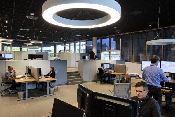 Technische en financiële medewerkers zorgen voor de noodzakelijke toetsingen