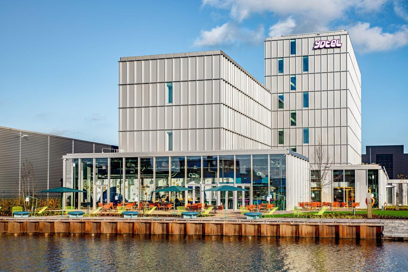 Yotel amsterdam, aluminium gevelbekleding, modulaire bouw, stapelbouw, stapelbouwkunde