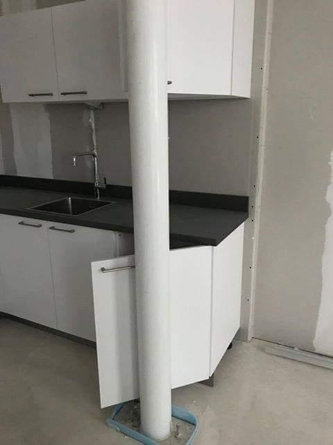 Keuken en kolom bouwfout