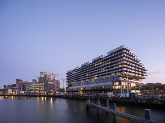 Fenix 1, Rotterdam