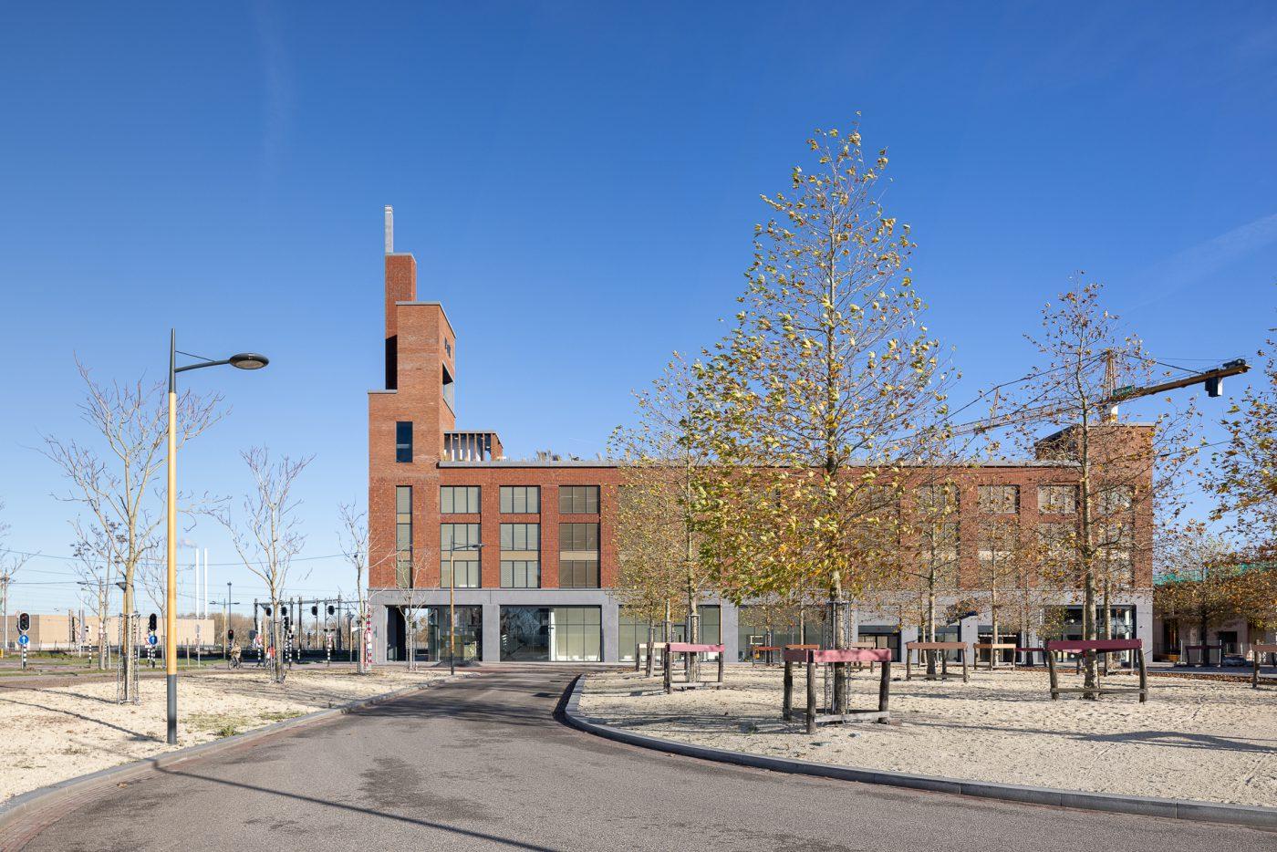 Expressieve bakstenen toren voor parkeergebouw Leidsche Rijn