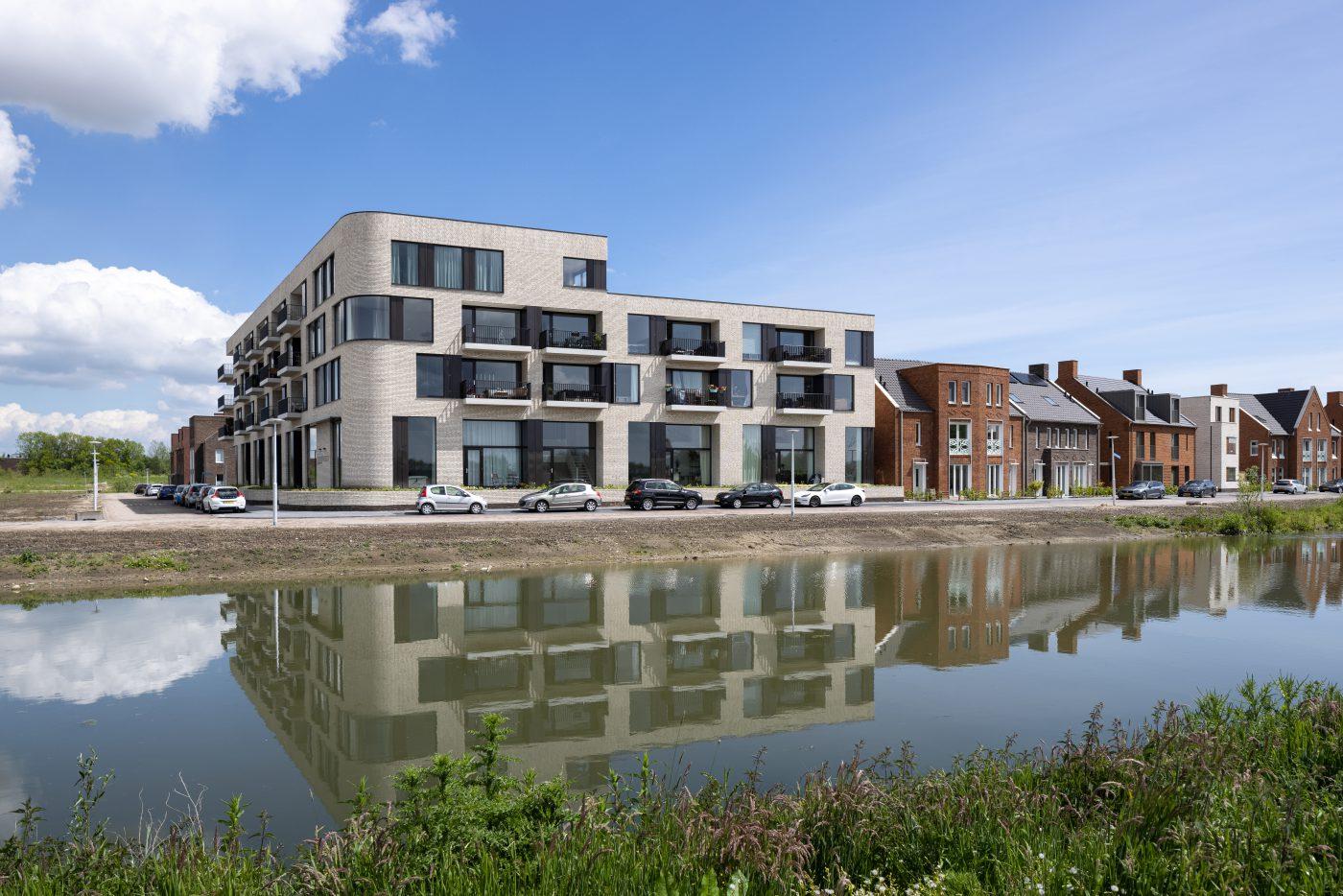 Karakteristieke woningen in nieuwe woonwijk Rijnvliet