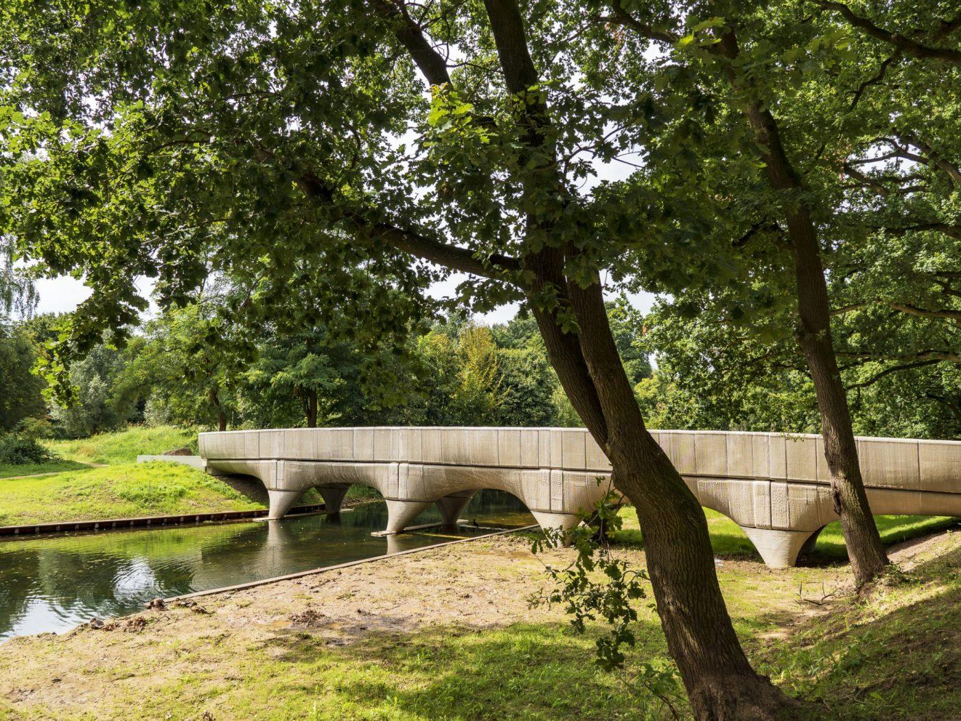 3D-betongeprinte brug Nijmegen officieel ingehuldigd