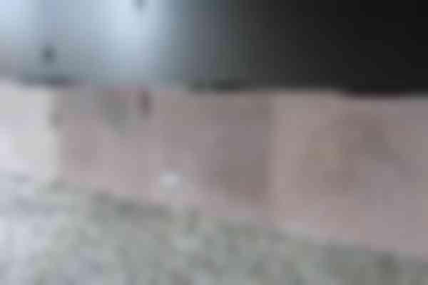 Een doordachte volgorde van montage van de betonpanelen kan ervoor zorgen dat donkere en lichte elementen niet direct naast elkaar terechtkomen.